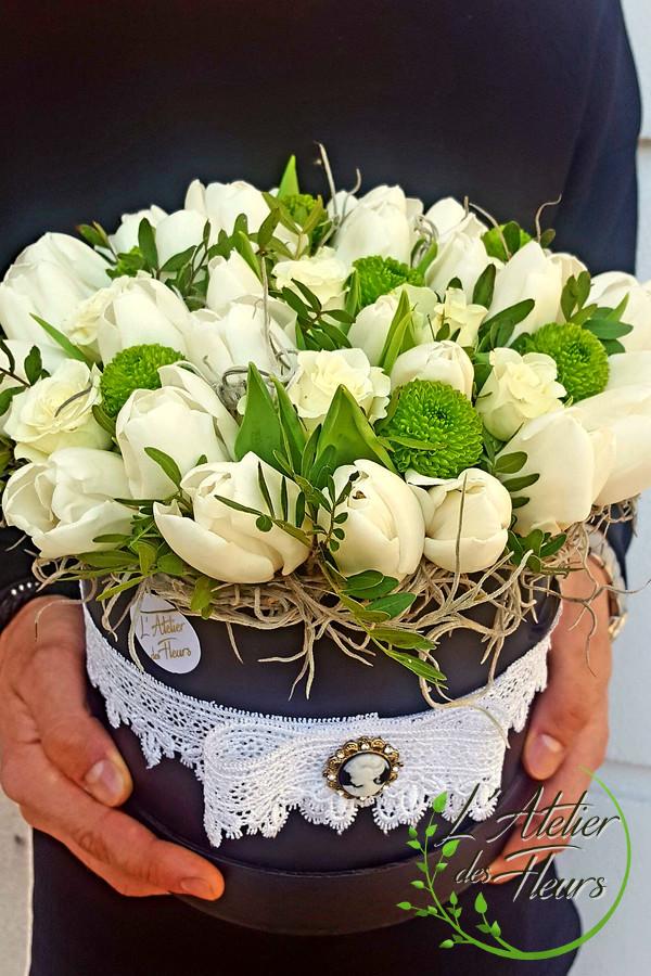 Aranjament Din Lalele Albe Latelier Des Fleurs